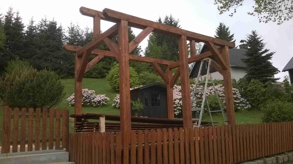 Stavba altánu
